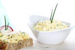 Levný recept: Jarní vaječná pomazánka