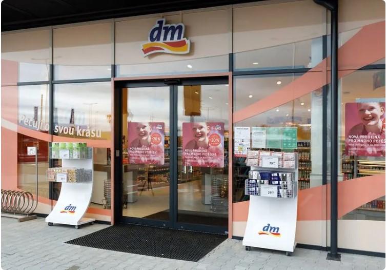 DM drogerie otevřela novou prodejnu v Praze – Čakovicích! Jde o první pobočku v této pražské části.