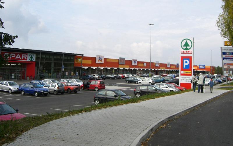 Paráda shopping - Česká Lípa -
